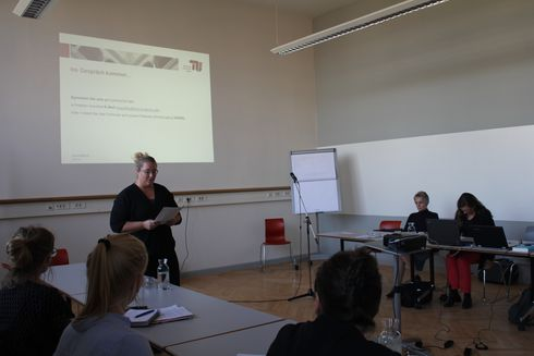 "The picture shows Charlotte Reinisch presenting the idea of the event serie ""Get connected""